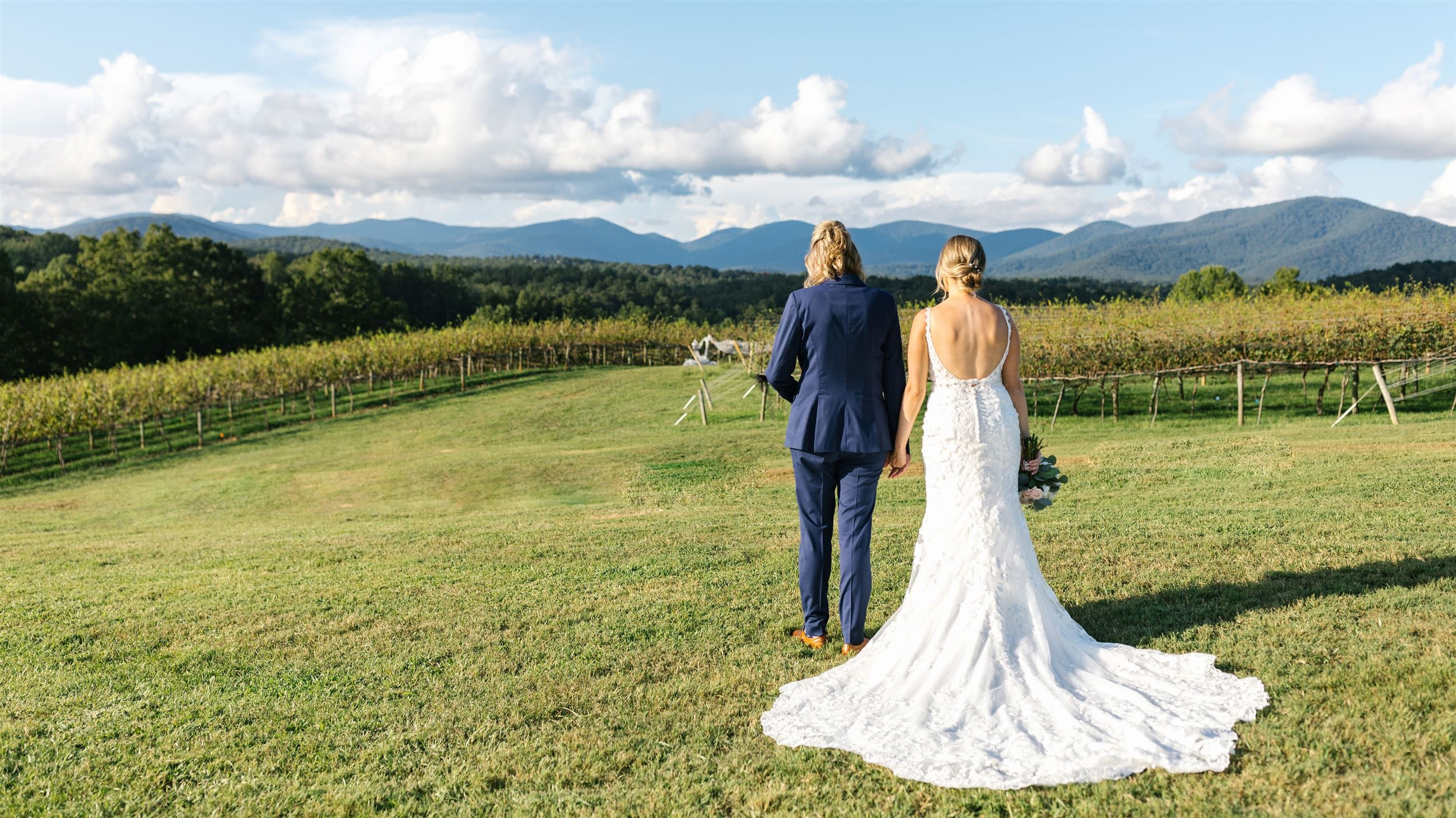 Meant to Be—A Romantic Vineyard Wedding During COVID-19