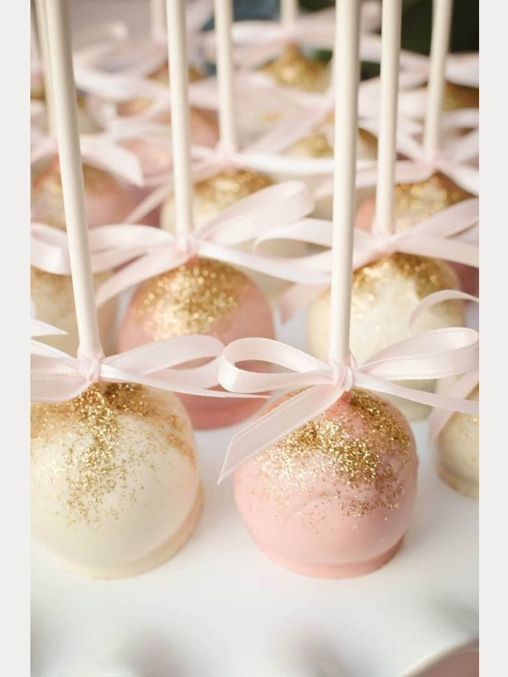 Sparkle On with Edible Glitter for your Wedding Reception ~ we ❤ this! moncheribridals.com