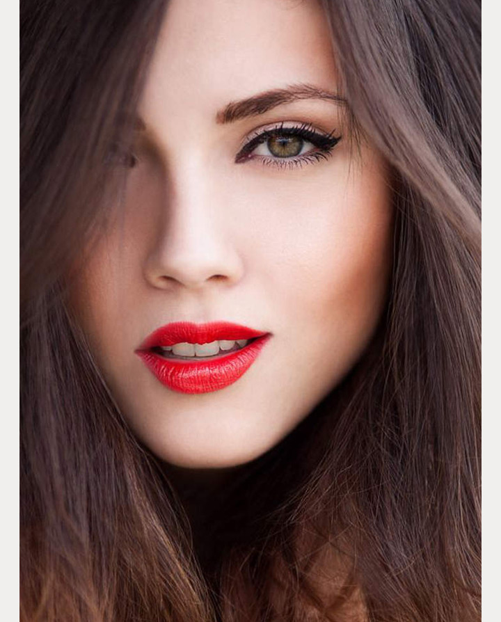 bright red lipstick ~ we ❤ this! moncheribridals.com