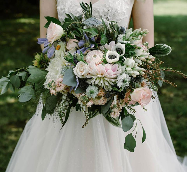 Wedding Flowers Of Cream & Green With A Touch Of Peach