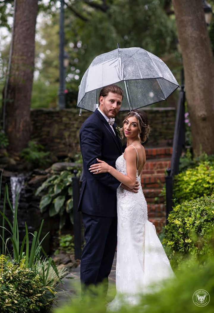 Rain Doesn't Put A Damper On This Late Summer Wedding