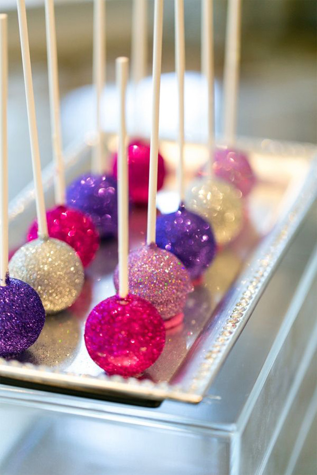 we ❤ this!  moncheribridals.com  #glittercakepops