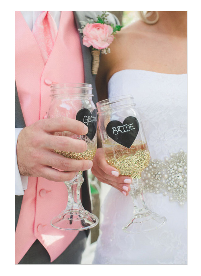 we ❤ this!  moncheribridals.com #glitterweddingglasses