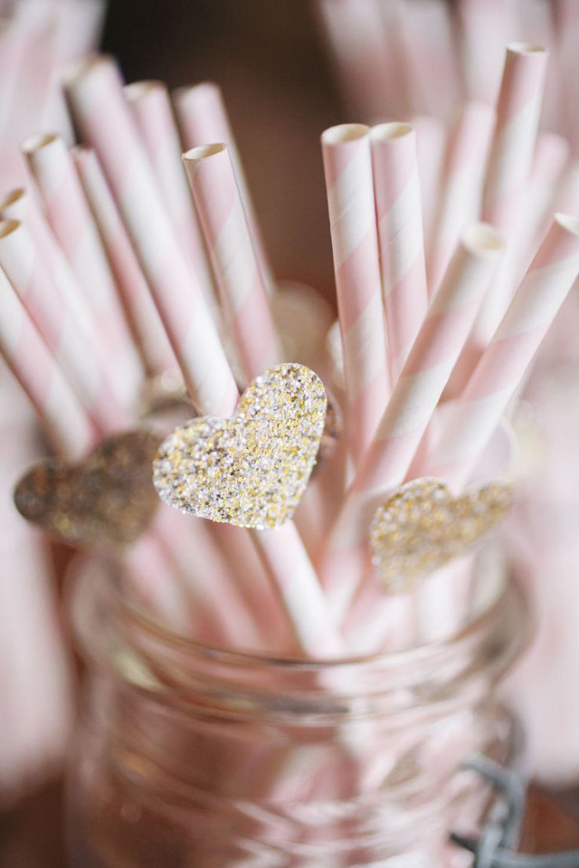 we ❤ this!  moncheribridals.com  #glitterweddingstraws