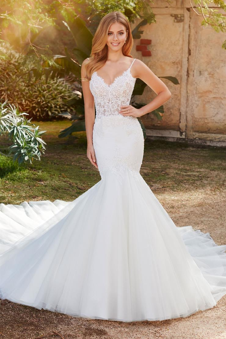 Rosita Curve-loving lace over organza trumpet gown with sweetheart neckline