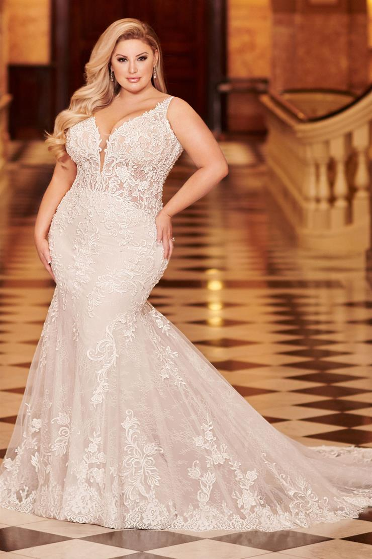 Alizia Gorgeous lace plus size mermaid gown with plunging V-neckline
