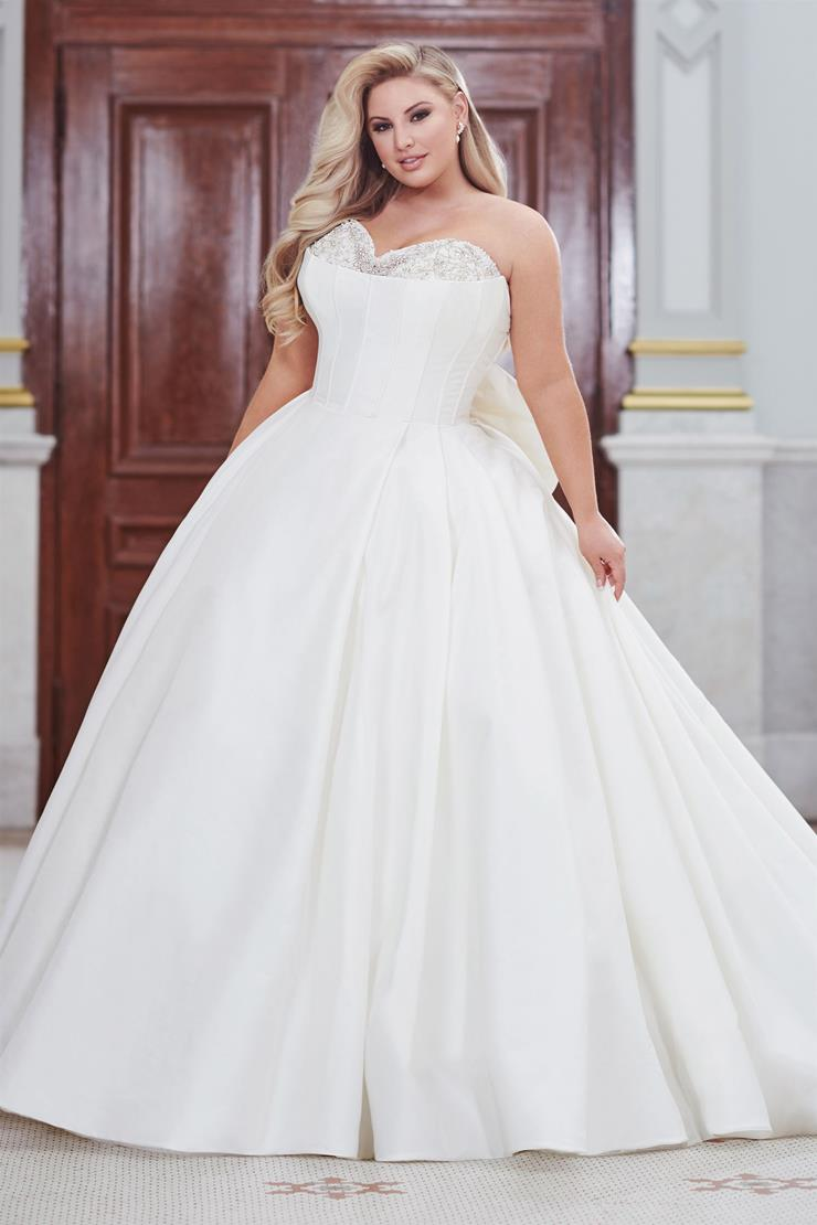 Adelaide Royally elegant plus size strapless sweetheart ball gown